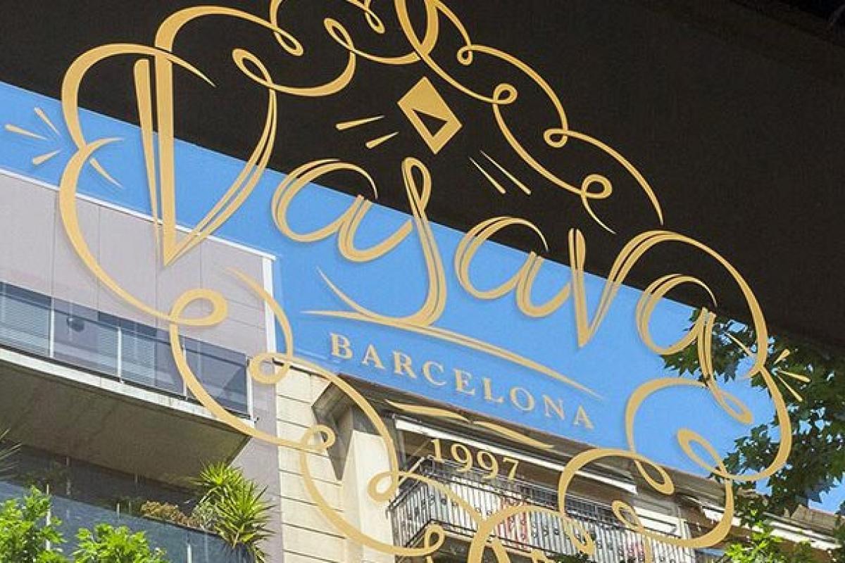 Acuerdo con el estudio VASAVA para crear un nuevo «naming» y preparar la campaña publicitaria de Madrid.