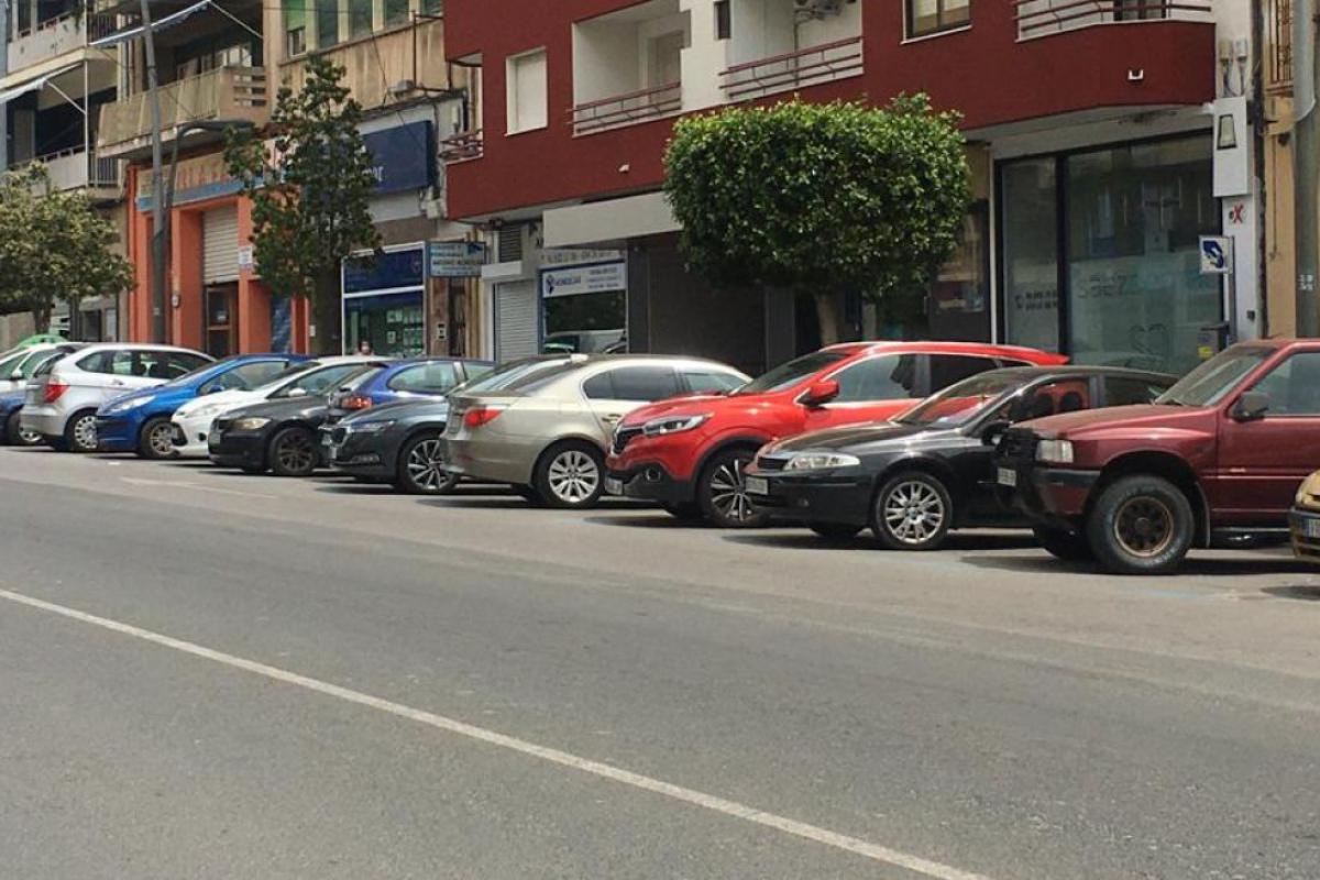 Primer día de Zona Azul en el Centro de La Vila Joiosa